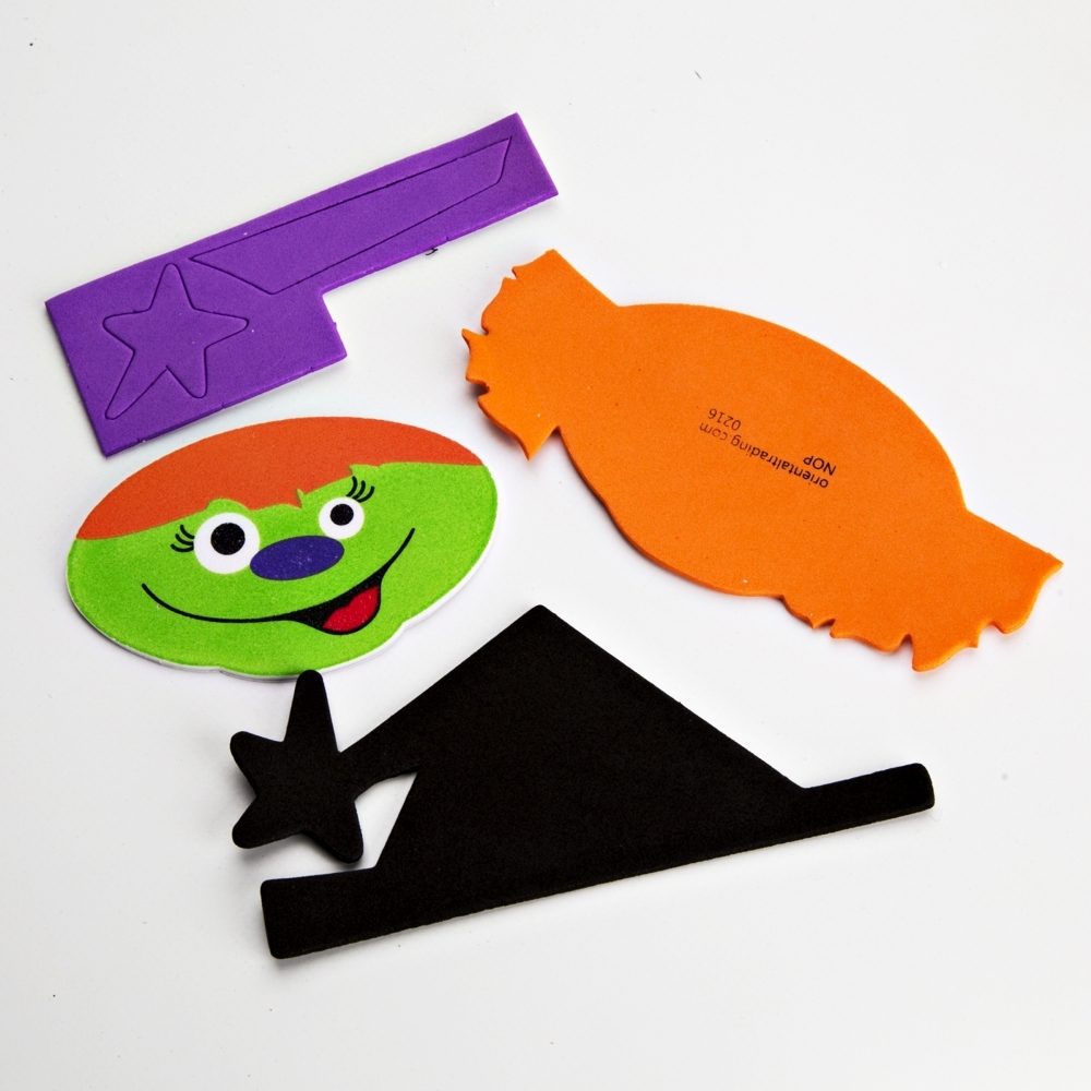 Foam halloween magnets pack of 12 art and craft kits for Craft kits for preschoolers